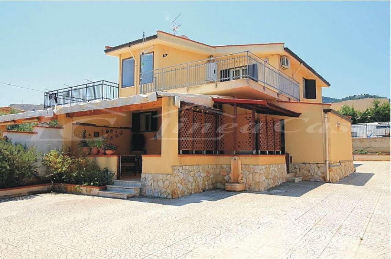 Villa Bifamiliare in vendita a Altavilla Milicia, 5 locali, prezzo € 200.000   CambioCasa.it