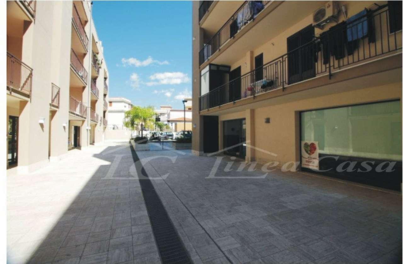 Negozio / Locale in affitto a Altavilla Milicia, 4 locali, prezzo € 800 | CambioCasa.it