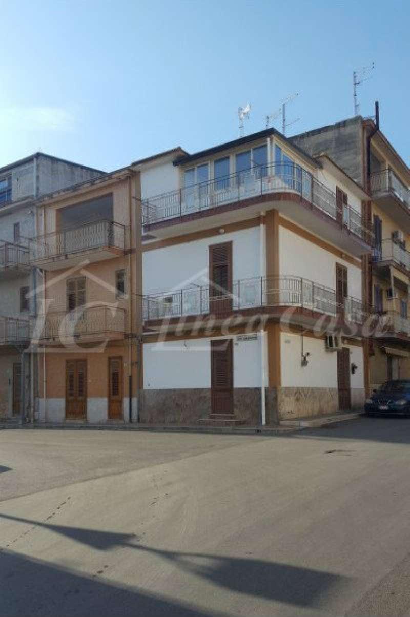 Soluzione Indipendente in affitto a Altavilla Milicia, 3 locali, prezzo € 350 | CambioCasa.it