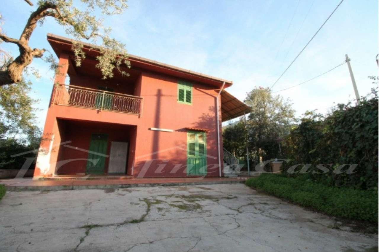 Villa in vendita a Altavilla Milicia, 5 locali, prezzo € 105.000 | CambioCasa.it
