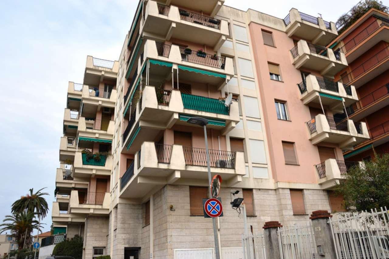 Appartamento in vendita a Rapallo, 4 locali, prezzo € 125.000 | Cambio Casa.it