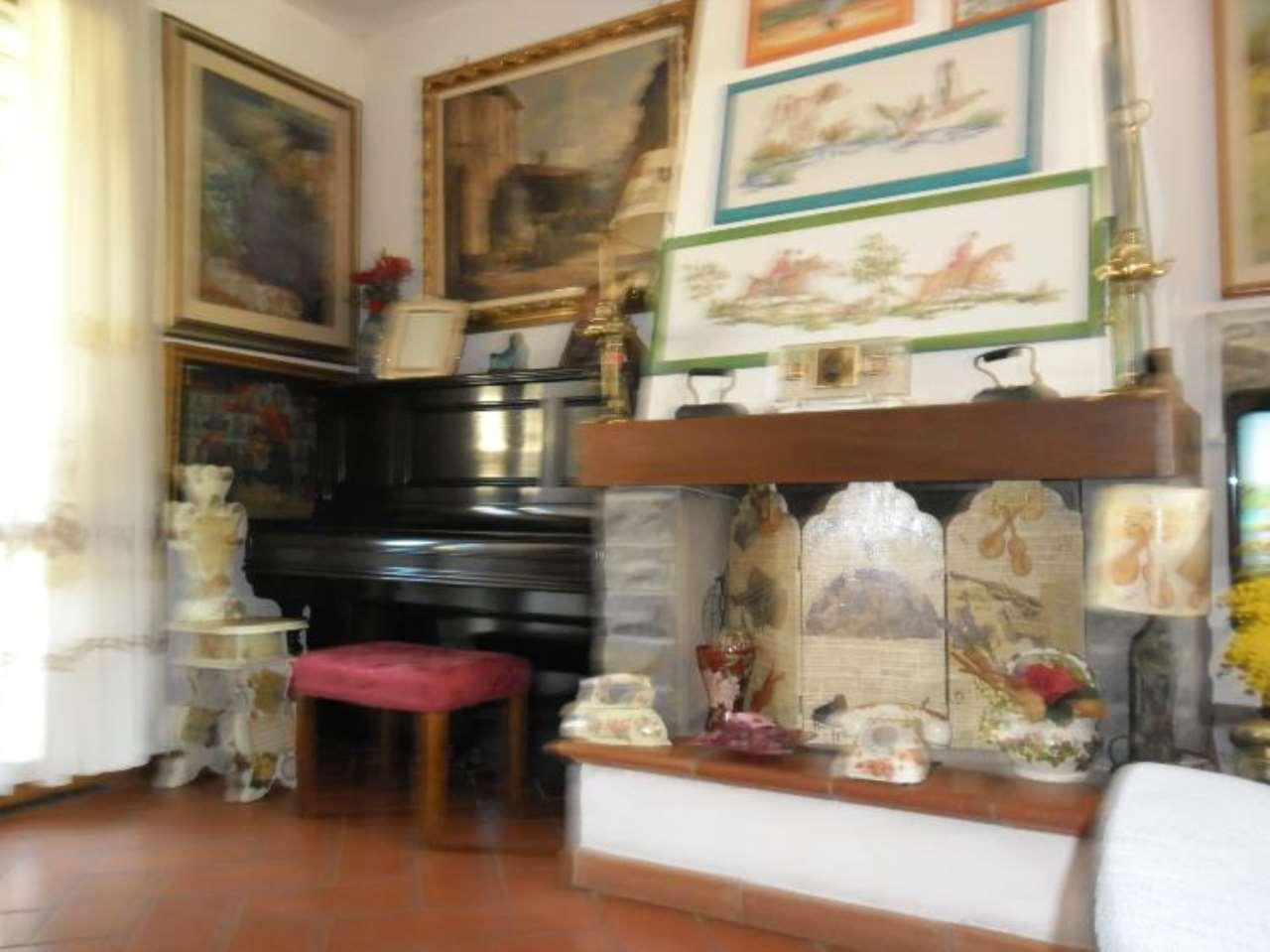 Palazzo / Stabile in vendita a Fiesole, 5 locali, prezzo € 360.000 | CambioCasa.it