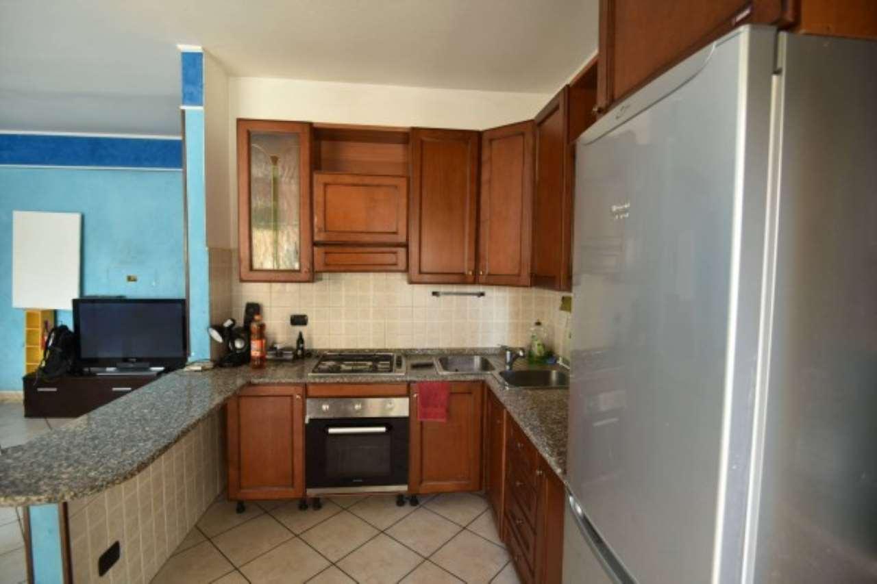 Appartamento in vendita a Baranzate, 2 locali, prezzo € 110.000 | CambioCasa.it