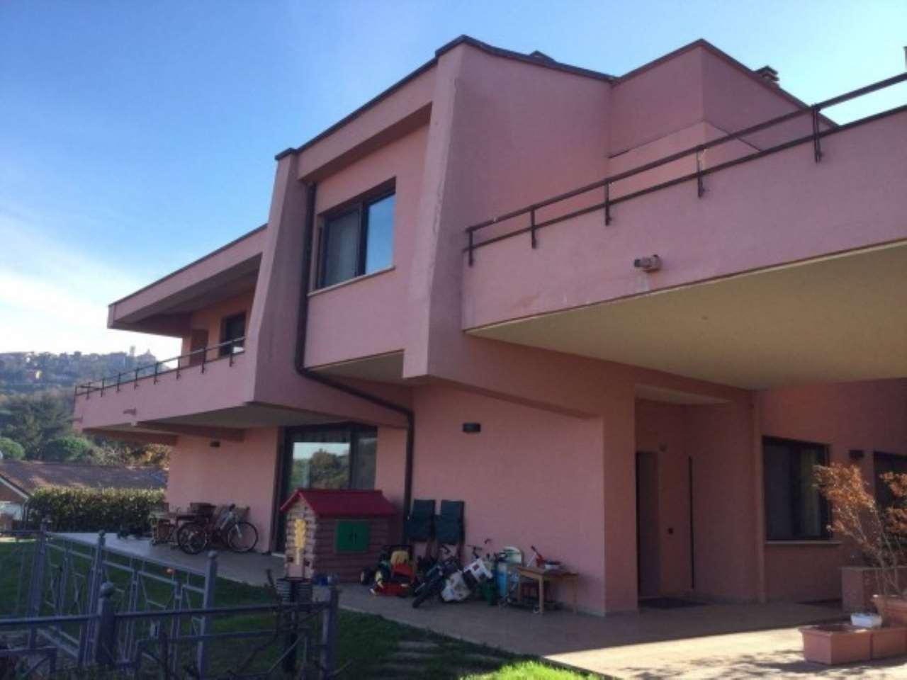 Appartamento in vendita a Monte Porzio Catone, 5 locali, prezzo € 419.000   Cambio Casa.it