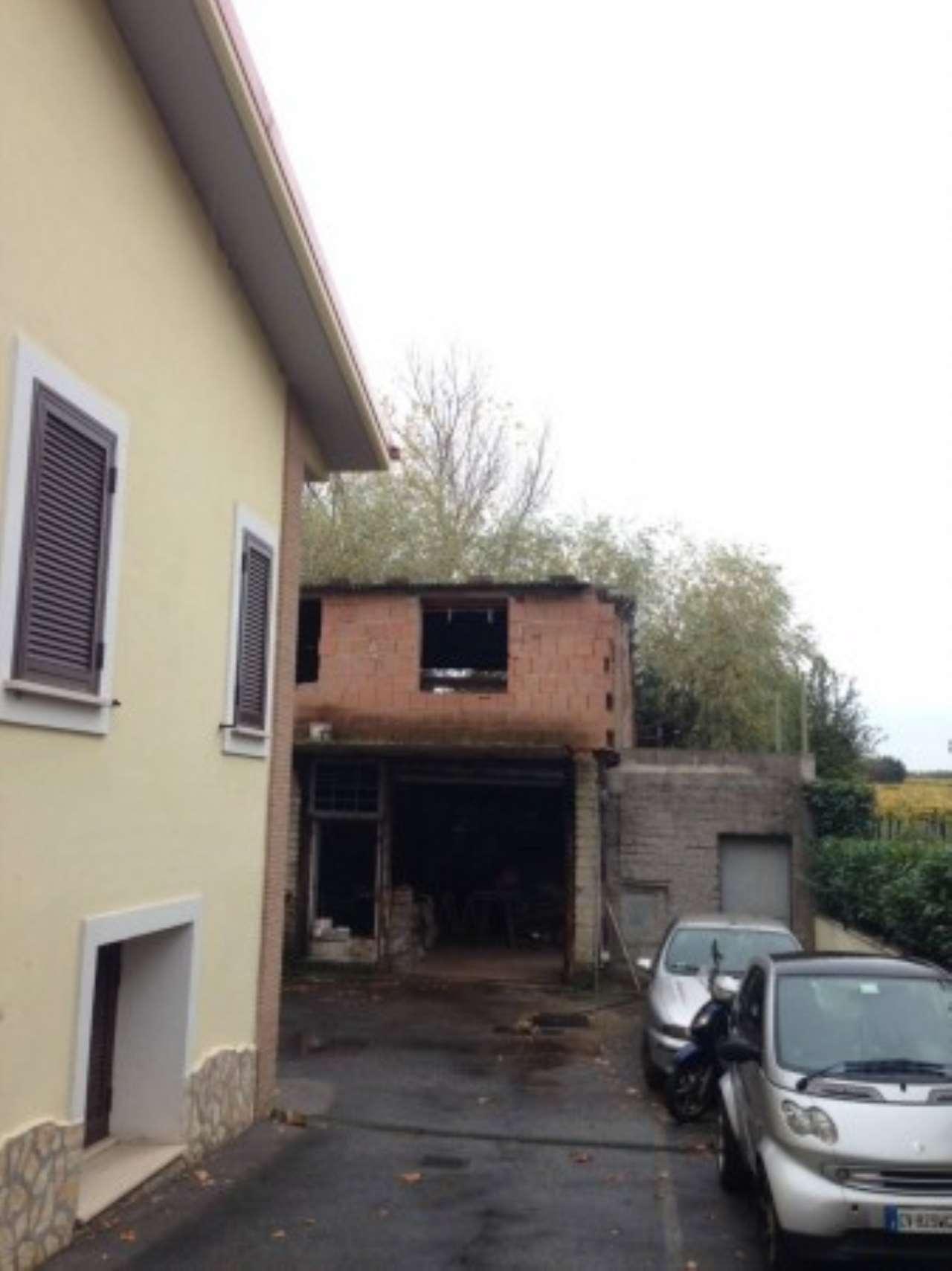 Rustico / Casale in vendita a Roma, 9999 locali, zona Zona: 36 . Finocchio, Torre Gaia, Tor Vergata, Borghesiana, prezzo € 99.000 | Cambio Casa.it