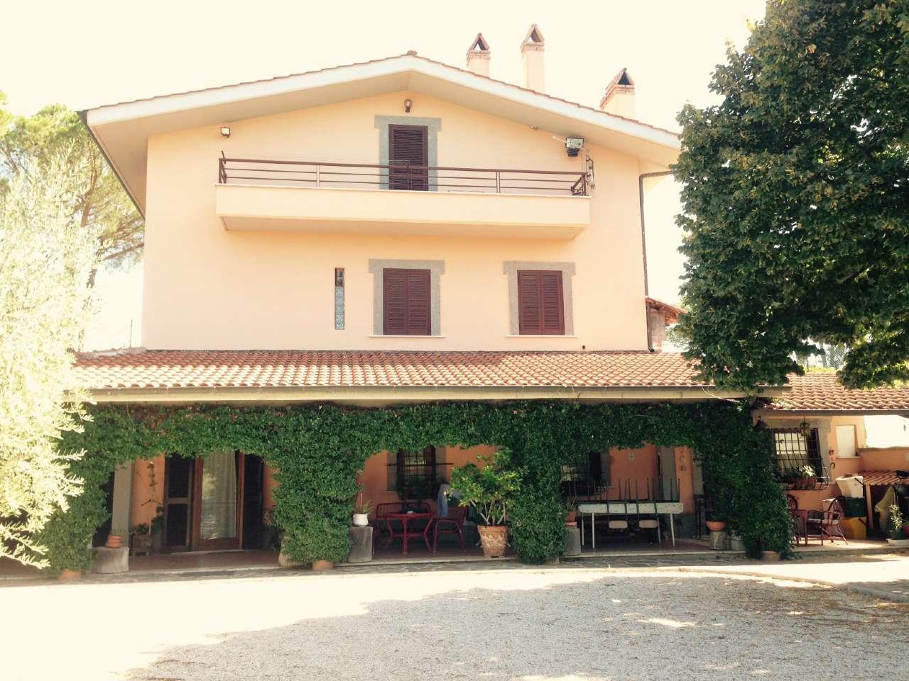 Soluzione Indipendente in vendita a Frascati, 6 locali, prezzo € 550.000 | CambioCasa.it