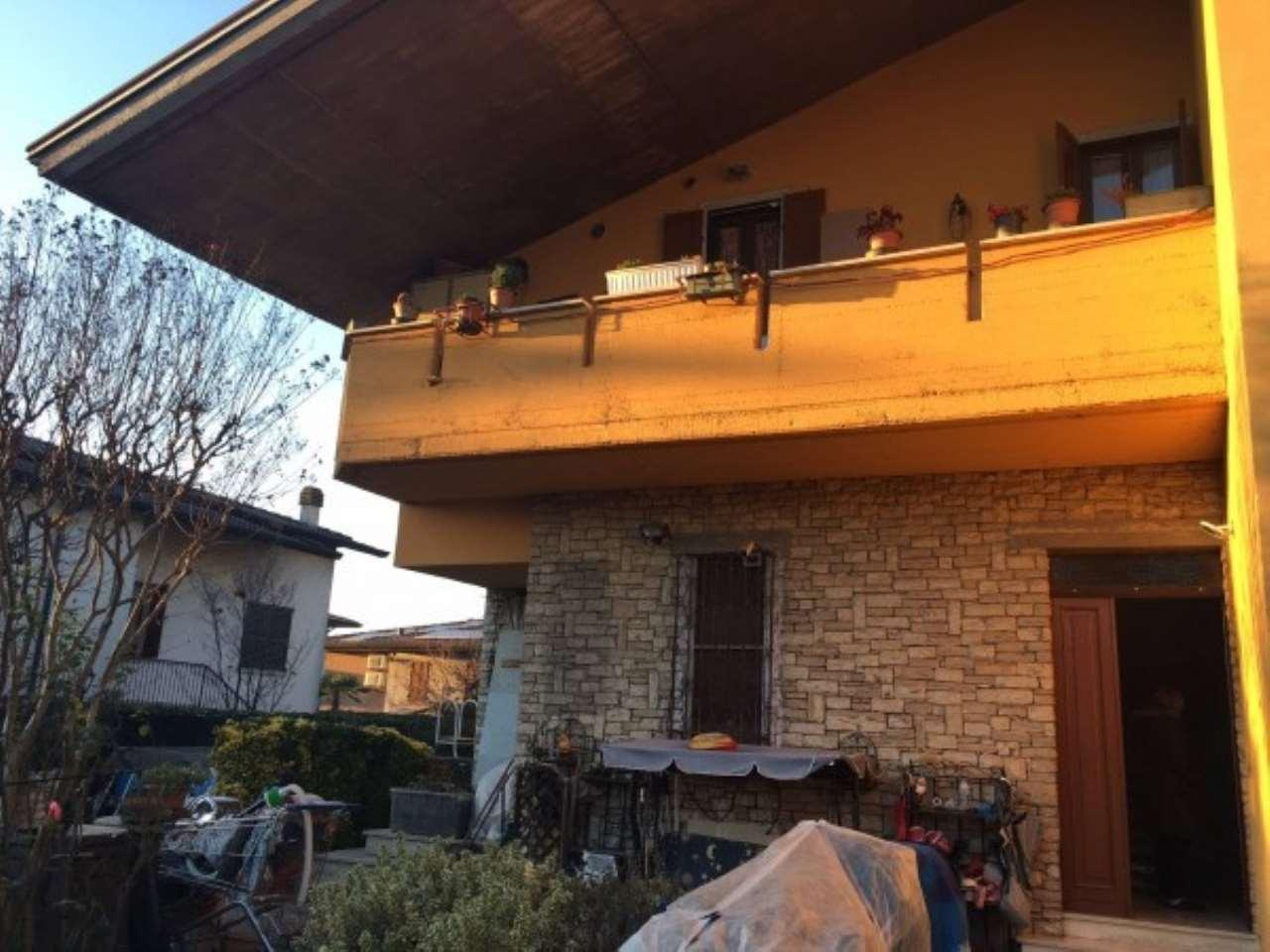 Appartamento in vendita a Leno, 3 locali, prezzo € 80.000 | Cambio Casa.it