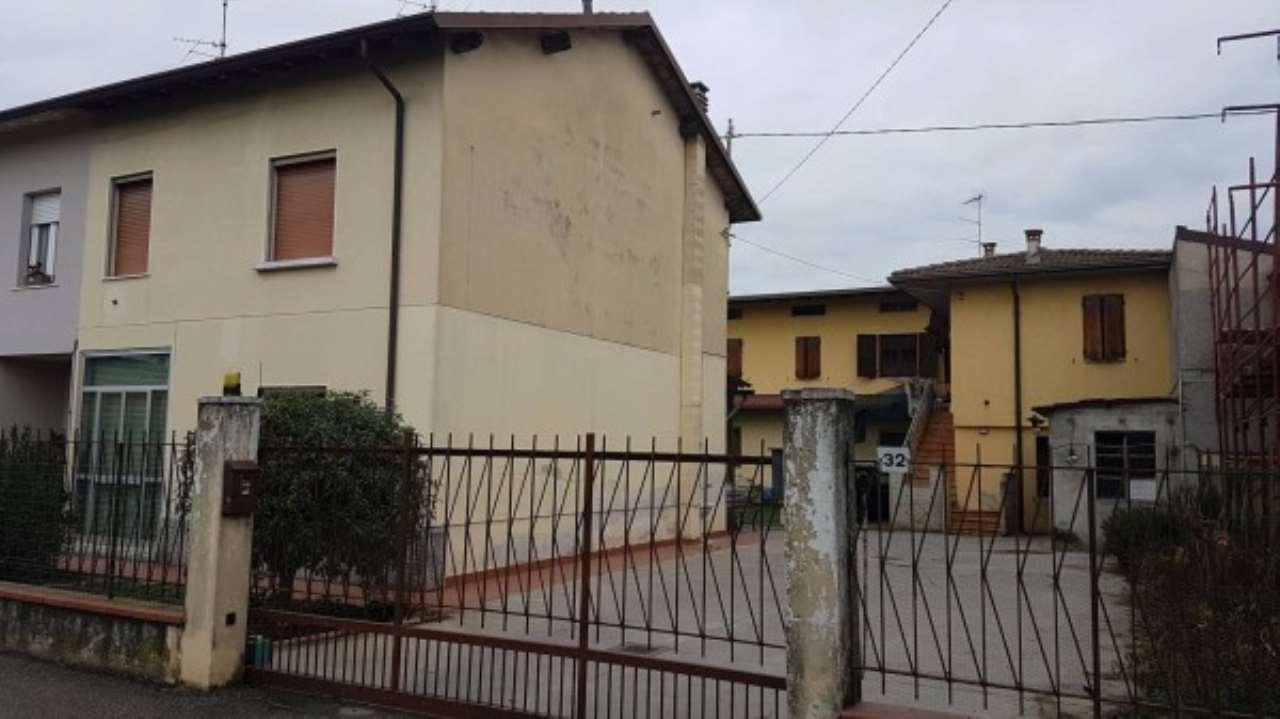Soluzione Indipendente in vendita a Ghedi, 4 locali, prezzo € 80.000 | Cambio Casa.it