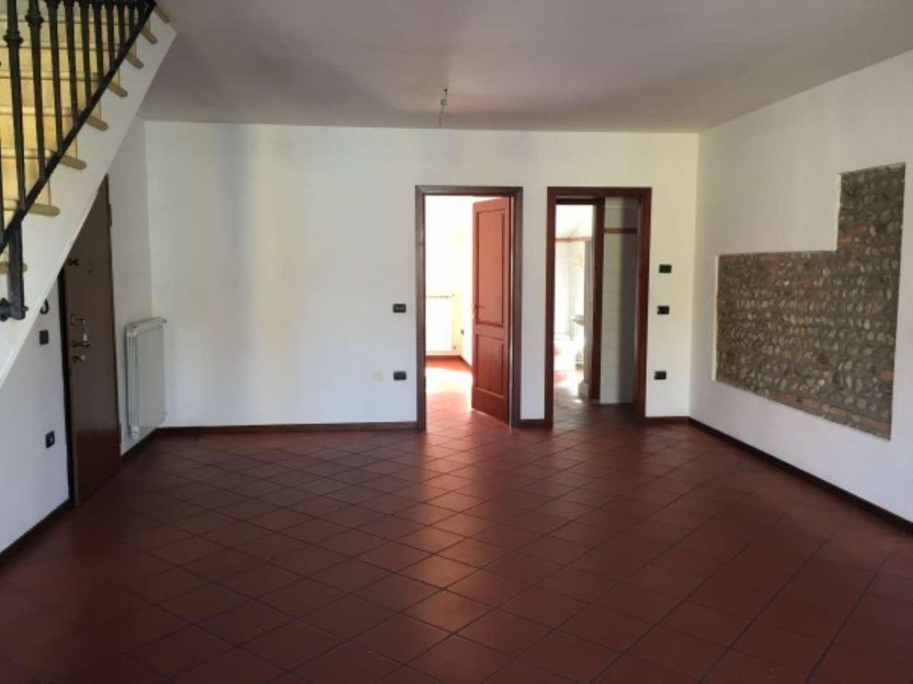 Appartamento in affitto a Ghedi, 3 locali, prezzo € 400   Cambio Casa.it