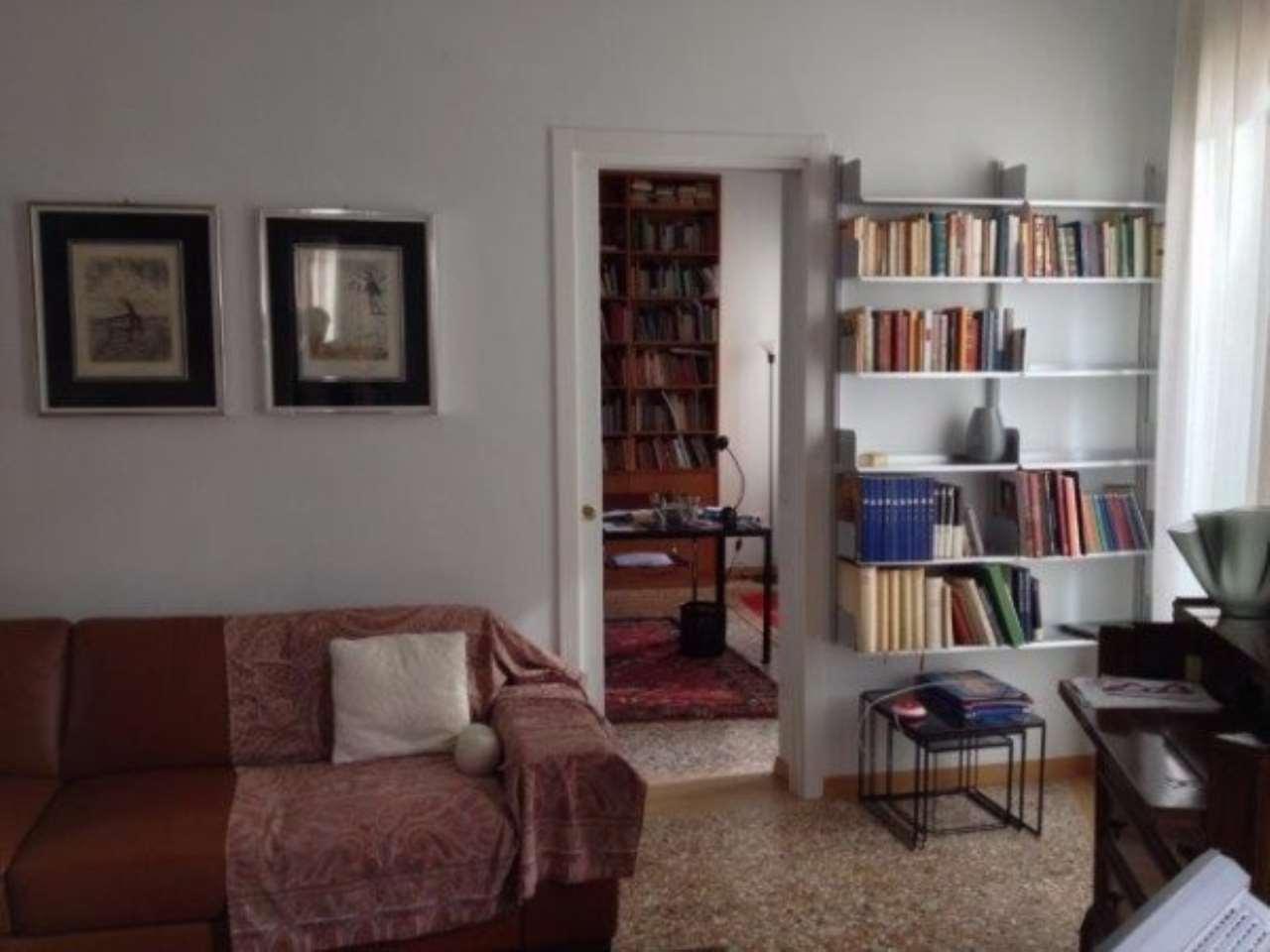Appartamento in vendita a Venezia, 5 locali, zona Zona: 6 . Dorsoduro, Trattative riservate | CambioCasa.it