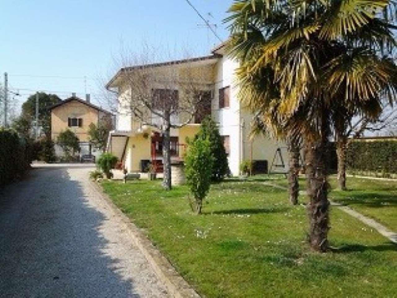 Villa in vendita a Ceggia, 9999 locali, prezzo € 159.000 | Cambio Casa.it