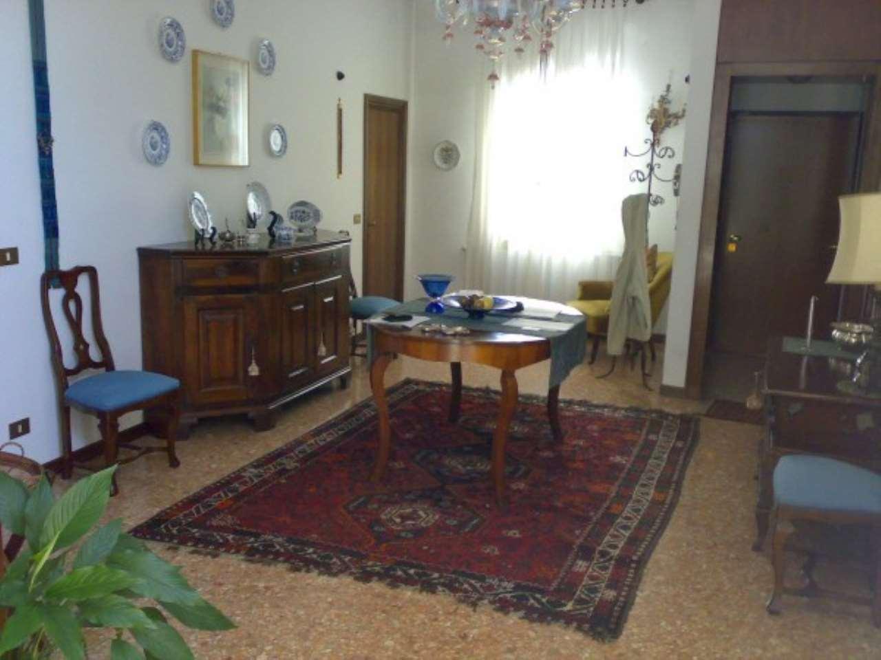 Appartamento in vendita a Venezia, 6 locali, zona Zona: 4 . Castello, prezzo € 850.000 | Cambio Casa.it