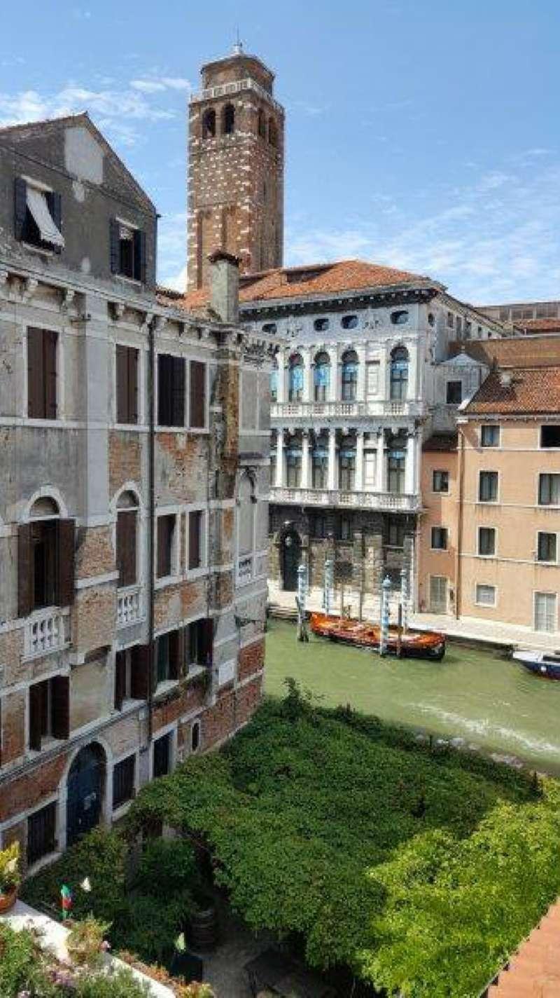 Appartamento in vendita a Venezia, 9999 locali, zona Zona: 3 . Cannaregio, prezzo € 360.000 | CambioCasa.it