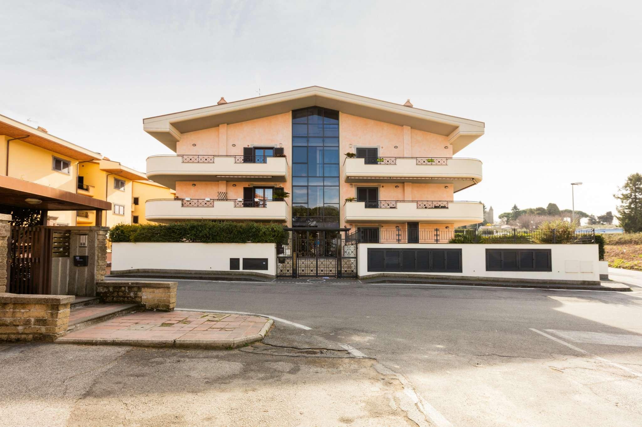 Appartamento in vendita a Marino, 2 locali, prezzo € 185.000 | Cambio Casa.it