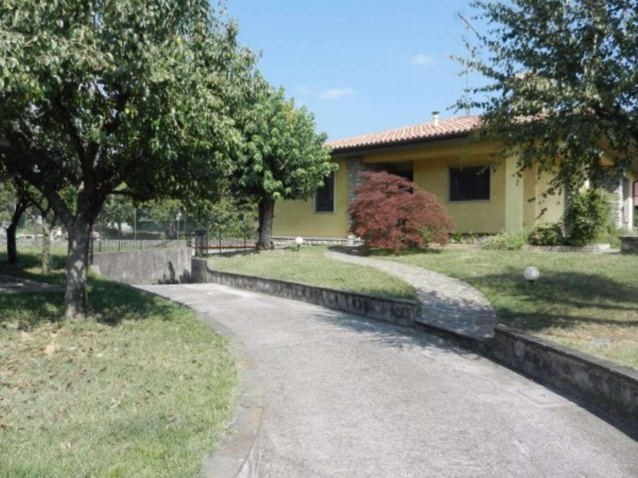Villa in Vendita a Nuvolera