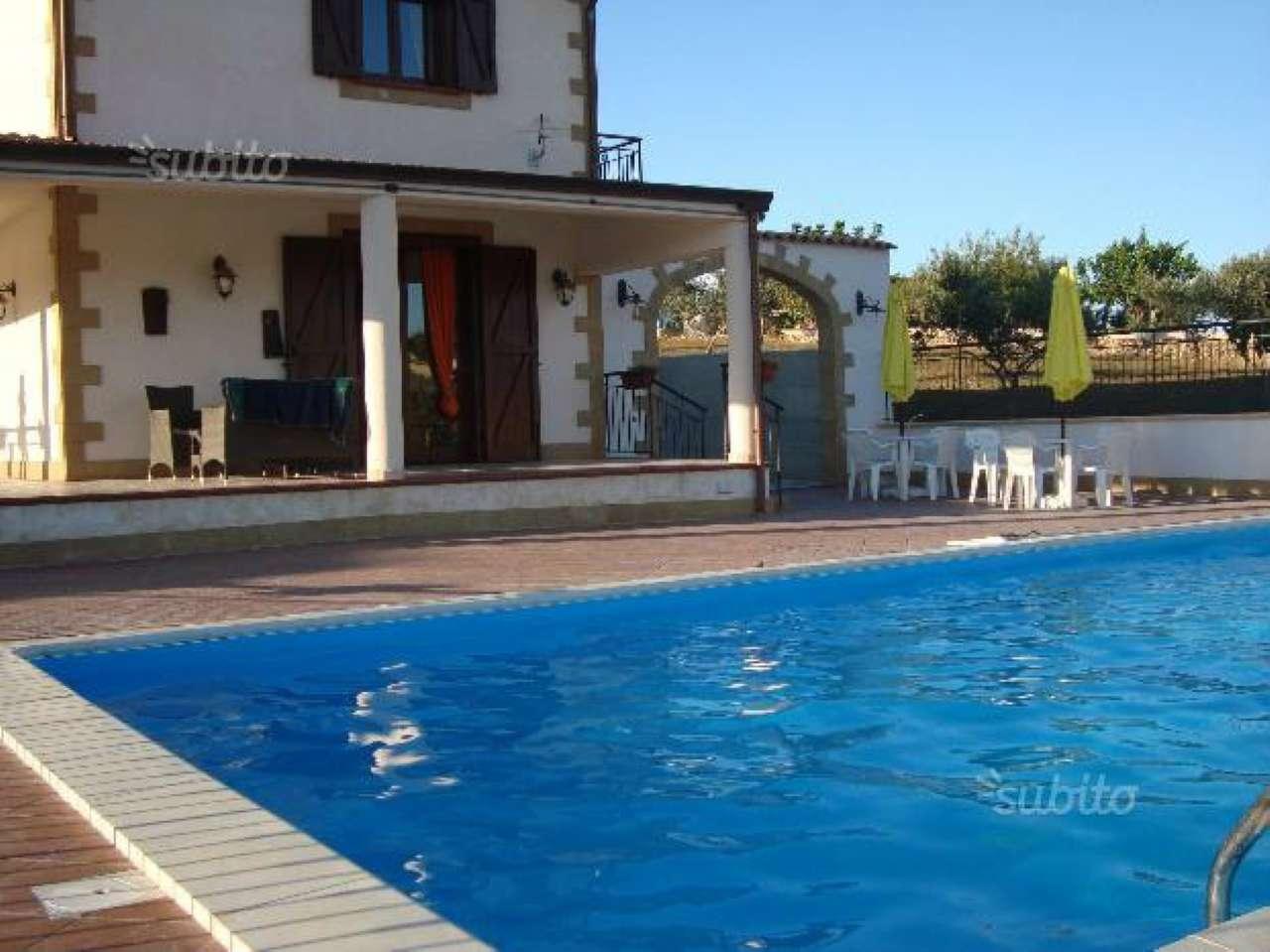 Villa in vendita a Partinico, 5 locali, prezzo € 250.000 | CambioCasa.it