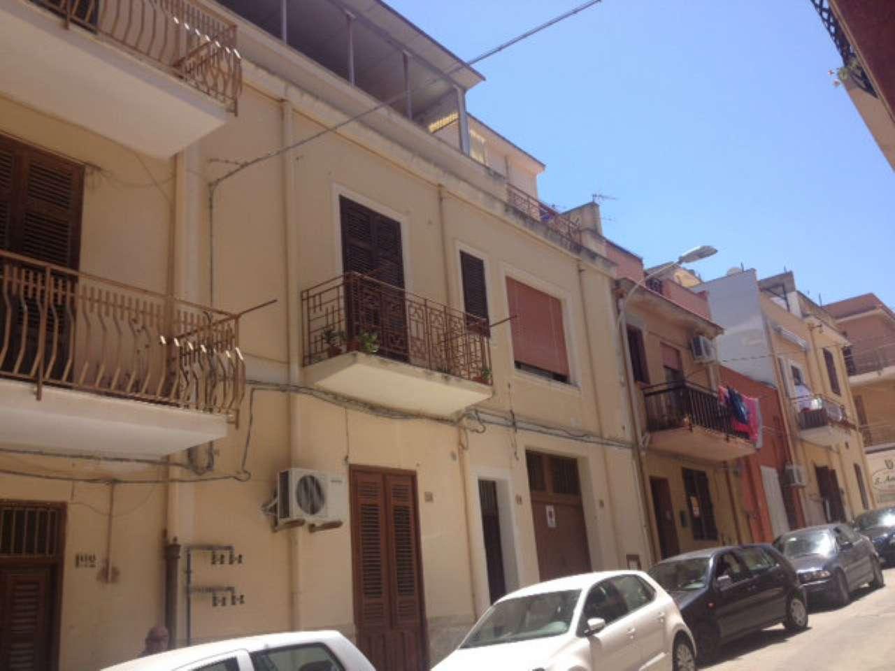 Soluzione Indipendente in vendita a Balestrate, 7 locali, prezzo € 140.000 | CambioCasa.it