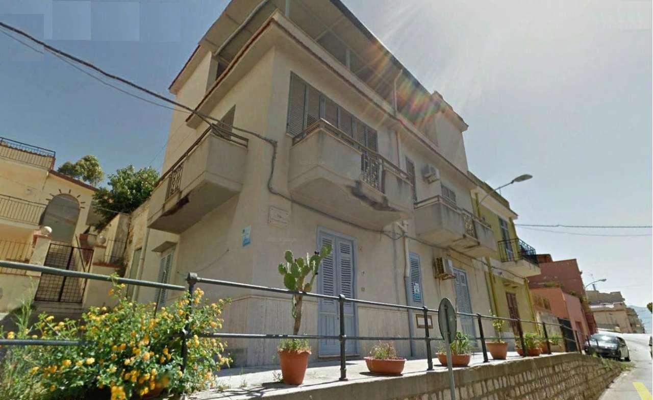 Soluzione Indipendente in vendita a Balestrate, 7 locali, prezzo € 170.000 | CambioCasa.it