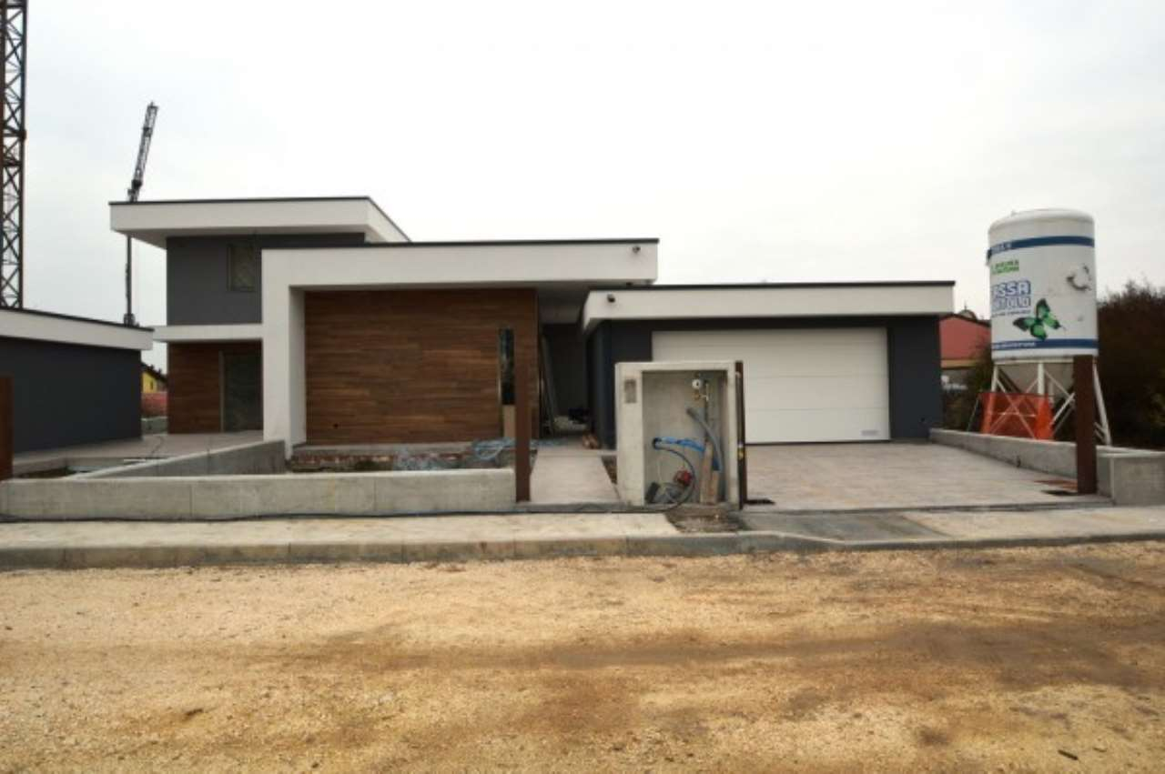 Villa in vendita a Corzano, 4 locali, prezzo € 160.000 | Cambio Casa.it