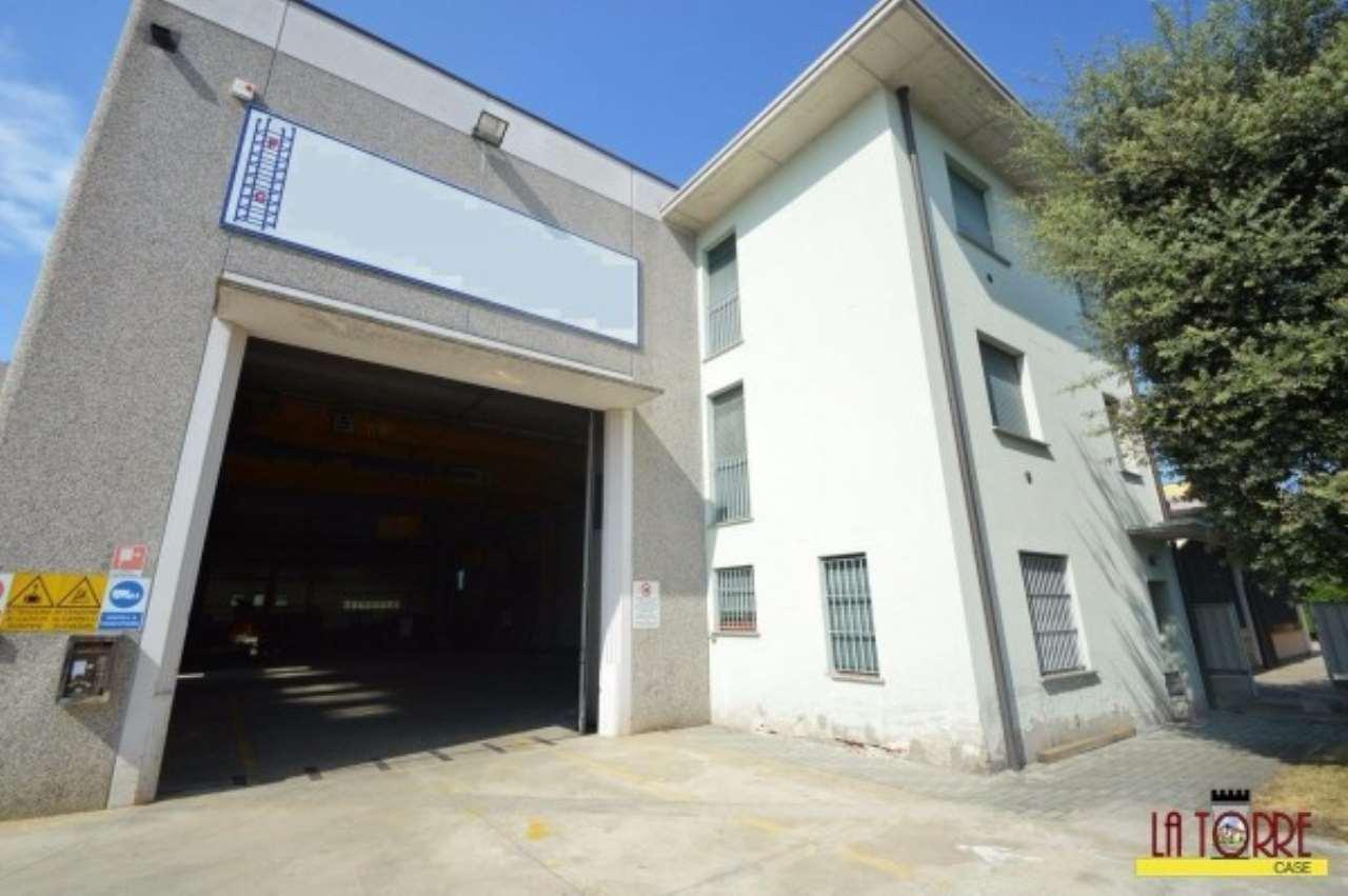 Capannone in vendita a Chiari, 9999 locali, Trattative riservate | CambioCasa.it