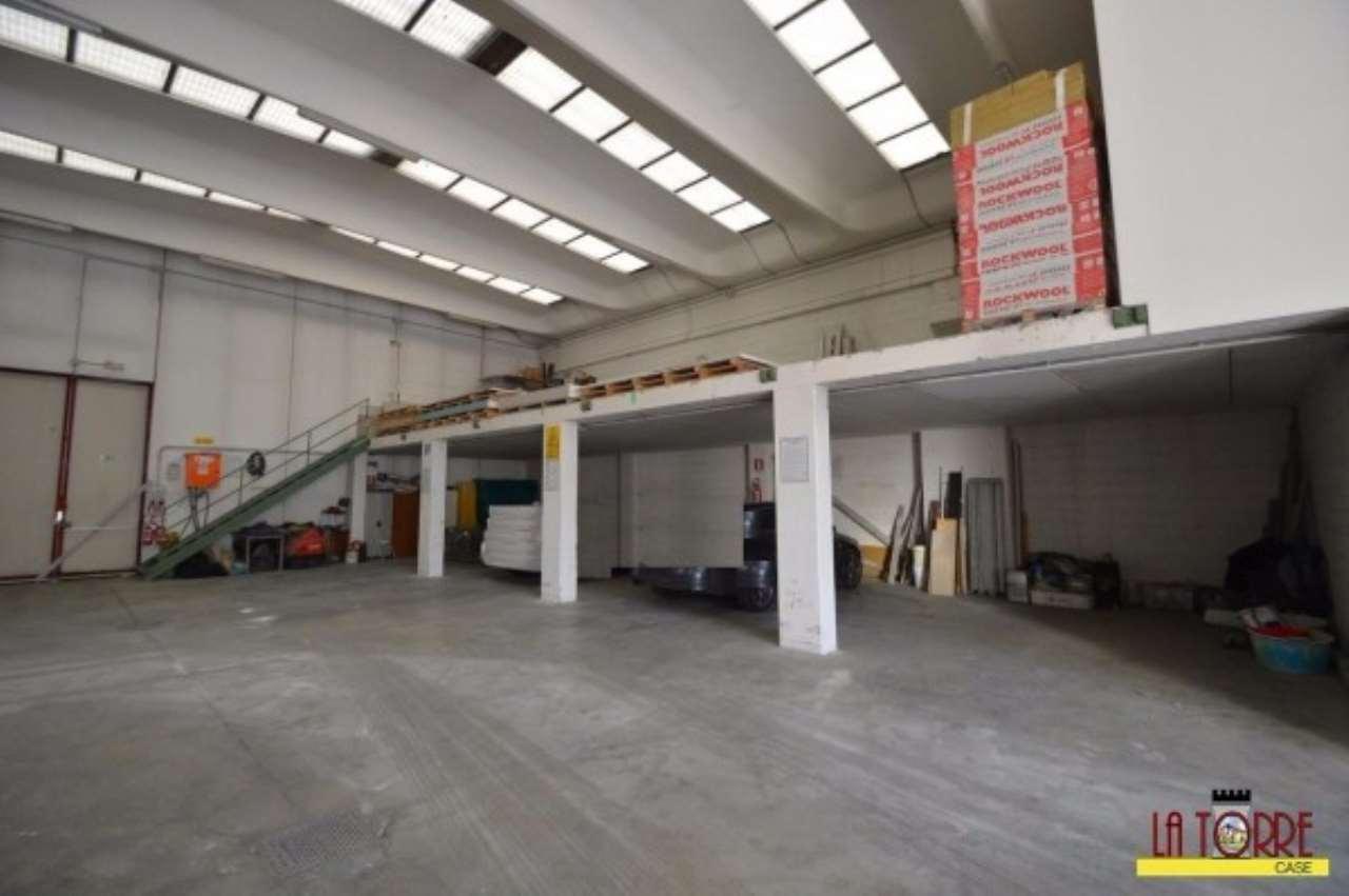 Capannone in vendita a Castrezzato, 2 locali, prezzo € 350.000 | Cambio Casa.it