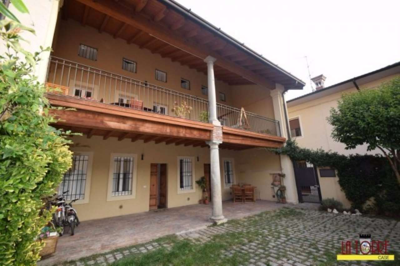 Villa in Vendita a Roccafranca