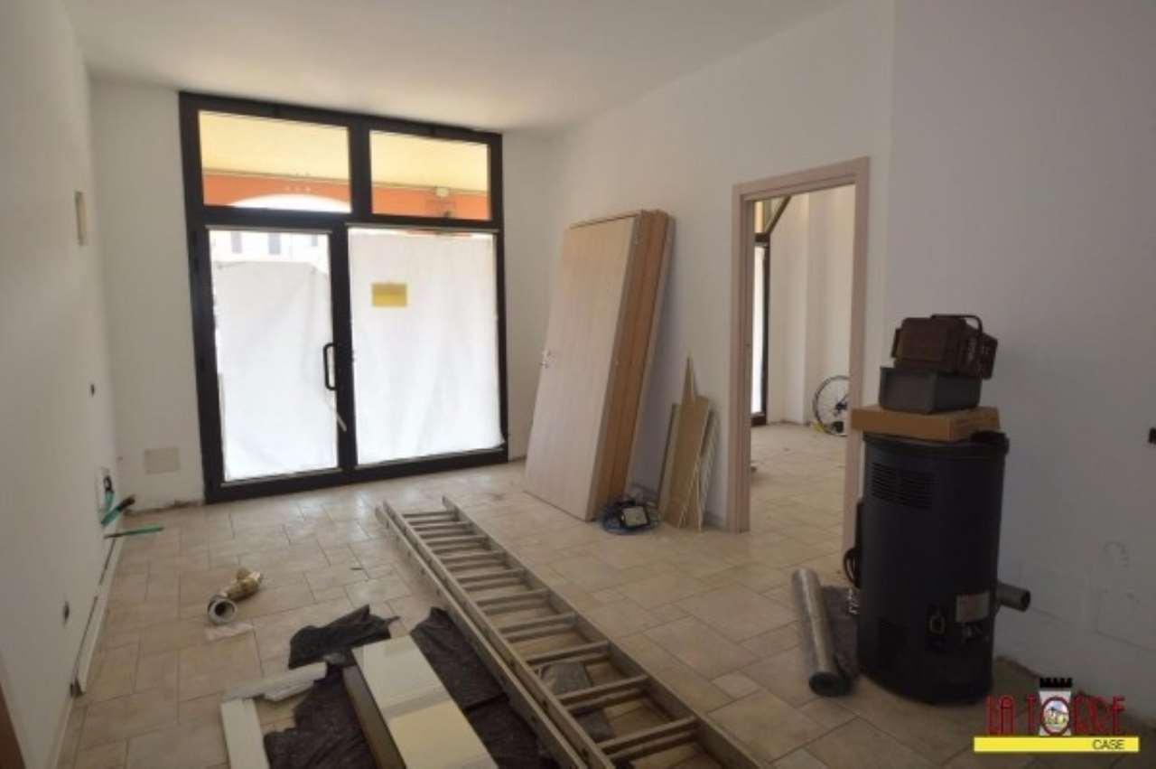 Ufficio / Studio in affitto a Comezzano-Cizzago, 3 locali, prezzo € 800 | Cambio Casa.it