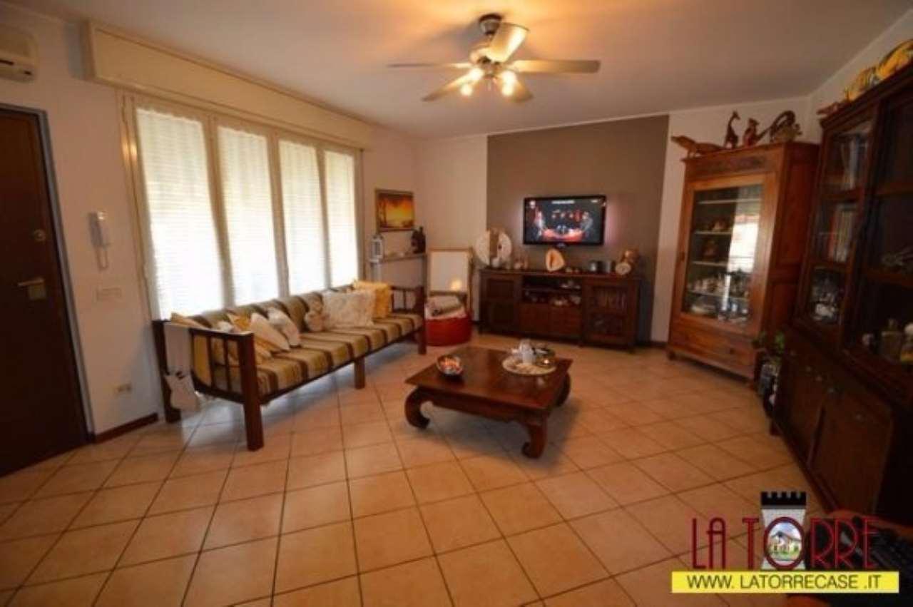 Appartamento in vendita a Castrezzato, 3 locali, prezzo € 140.000 | Cambio Casa.it