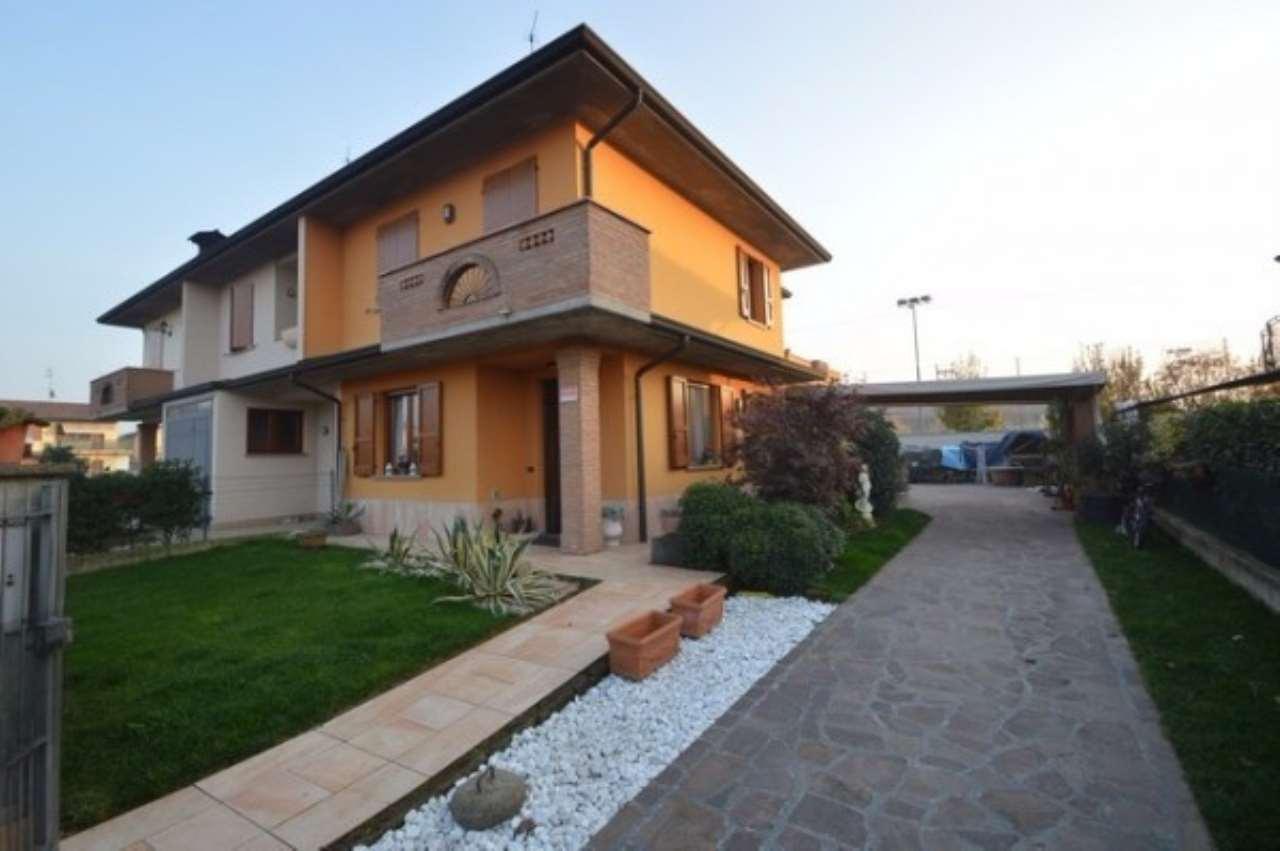 Villa in Vendita a Comezzano-Cizzago