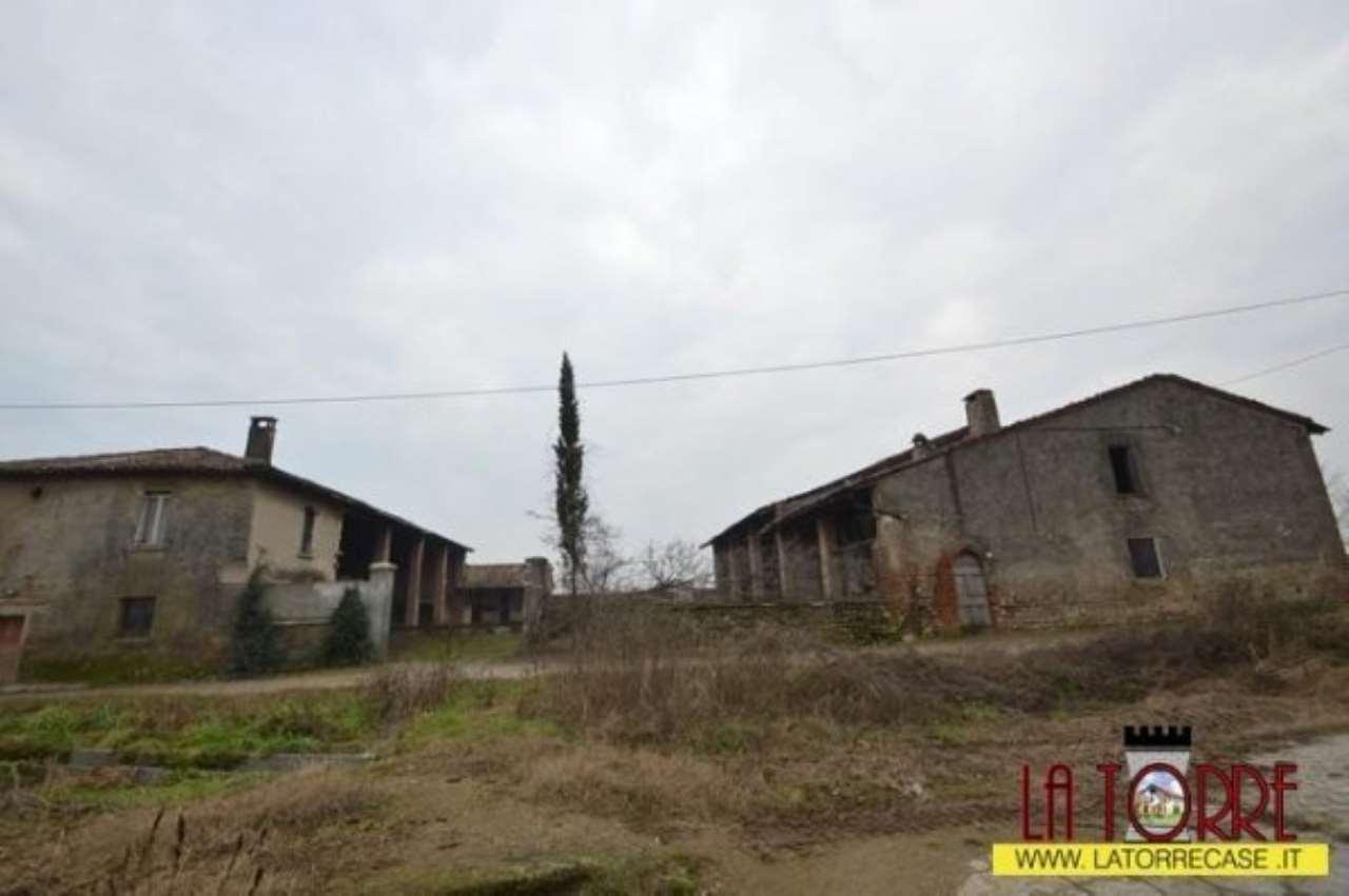 Rustico / Casale in vendita a Rovato, 6 locali, prezzo € 400.000 | CambioCasa.it