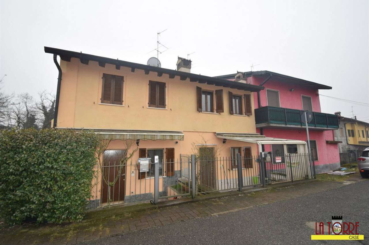 Villa a Schiera in vendita a Calcio, 4 locali, prezzo € 145.000 | CambioCasa.it