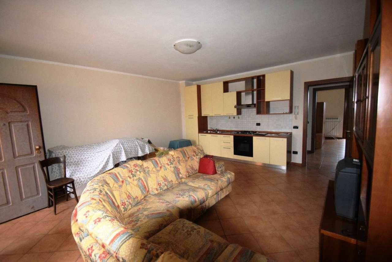 Appartamento in vendita a Borgo San Giacomo, 4 locali, prezzo € 105.000 | CambioCasa.it