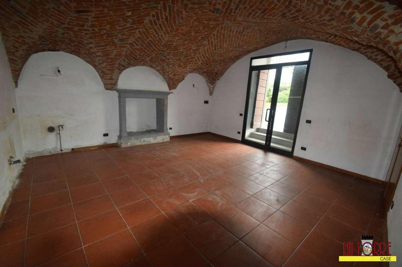 Negozio / Locale in affitto a Cazzago San Martino, 1 locali, prezzo € 300 | CambioCasa.it