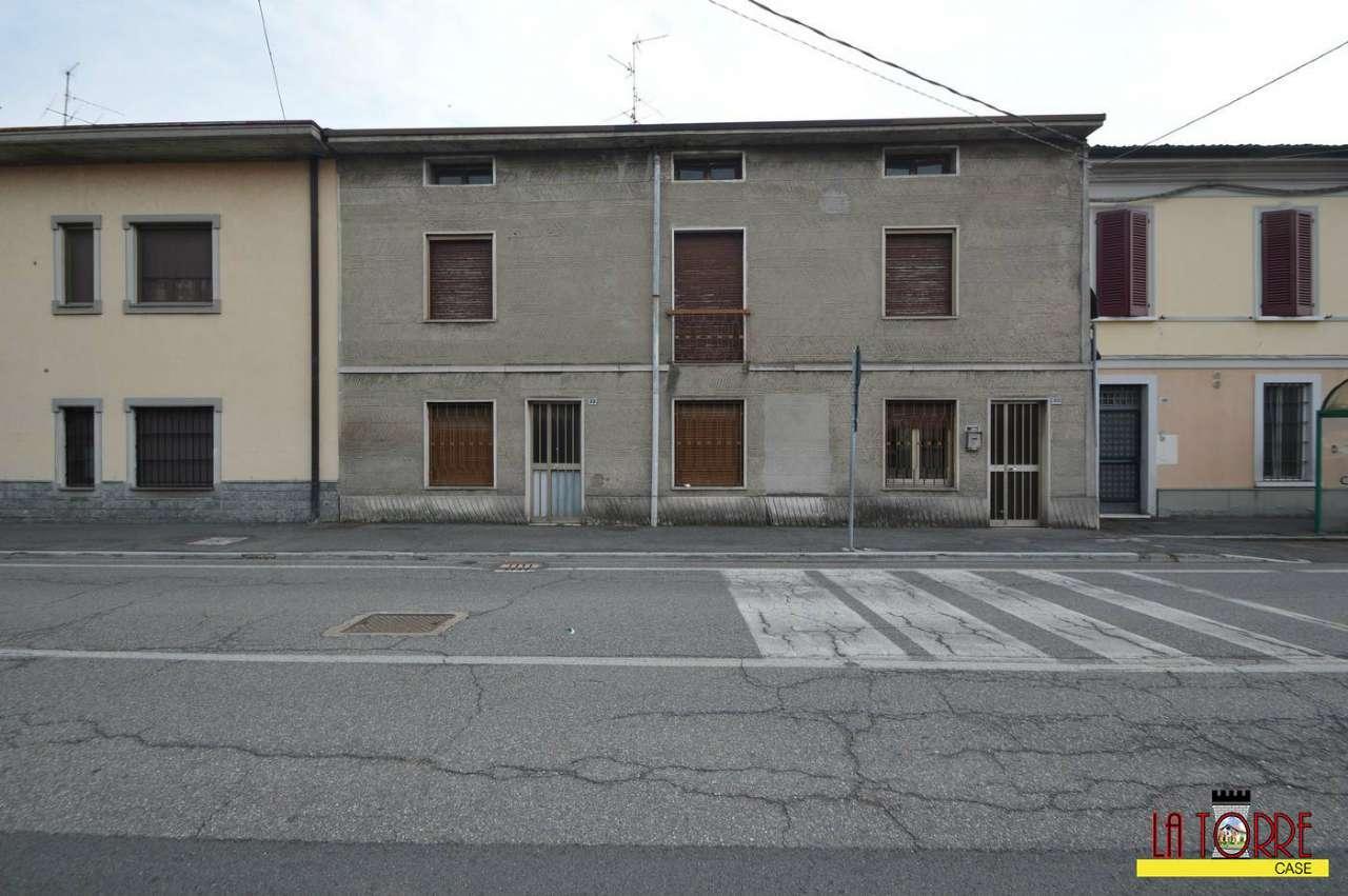 Soluzione Indipendente in vendita a Castrezzato, 6 locali, prezzo € 200.000 | CambioCasa.it