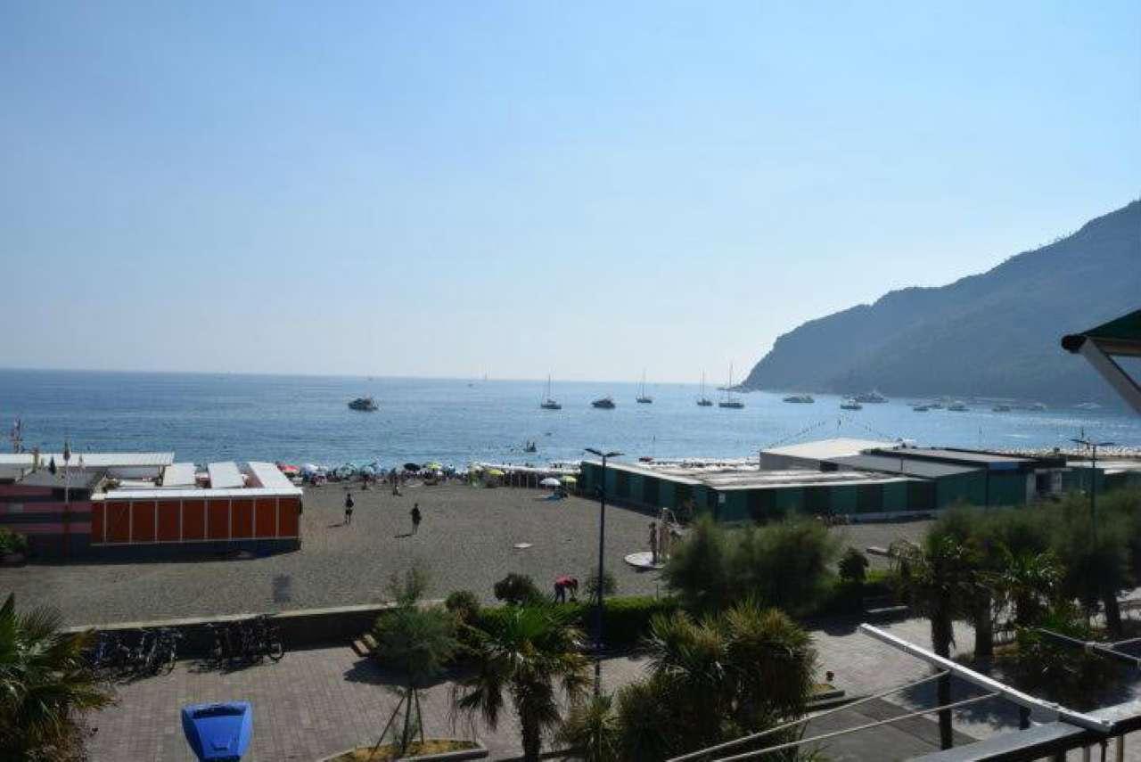 Appartamento in vendita a Sestri Levante, 5 locali, prezzo € 490.000 | CambioCasa.it