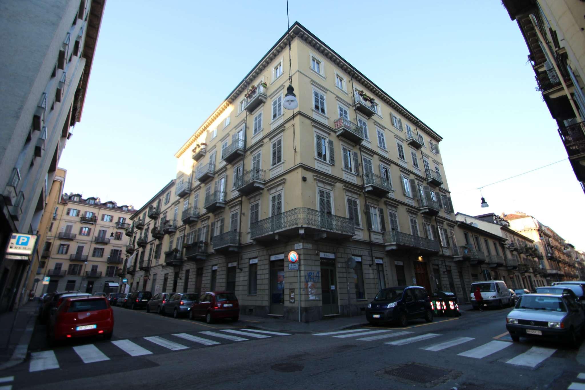 Foto 1 di Mansarda via Principe Tommaso 26, Torino (zona San Salvario)