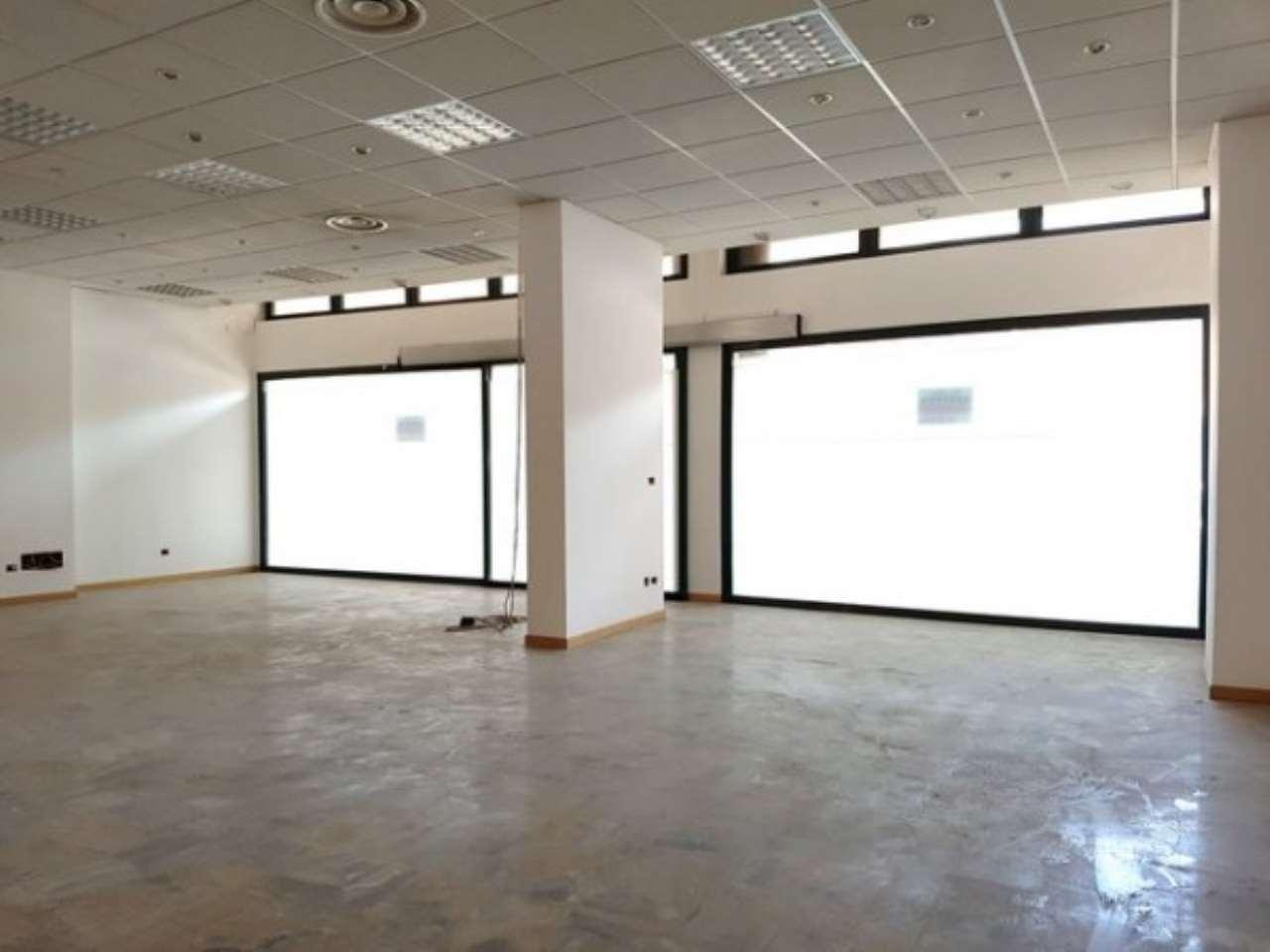 Negozio / Locale in affitto a Sarezzo, 9999 locali, prezzo € 1.400 | Cambio Casa.it