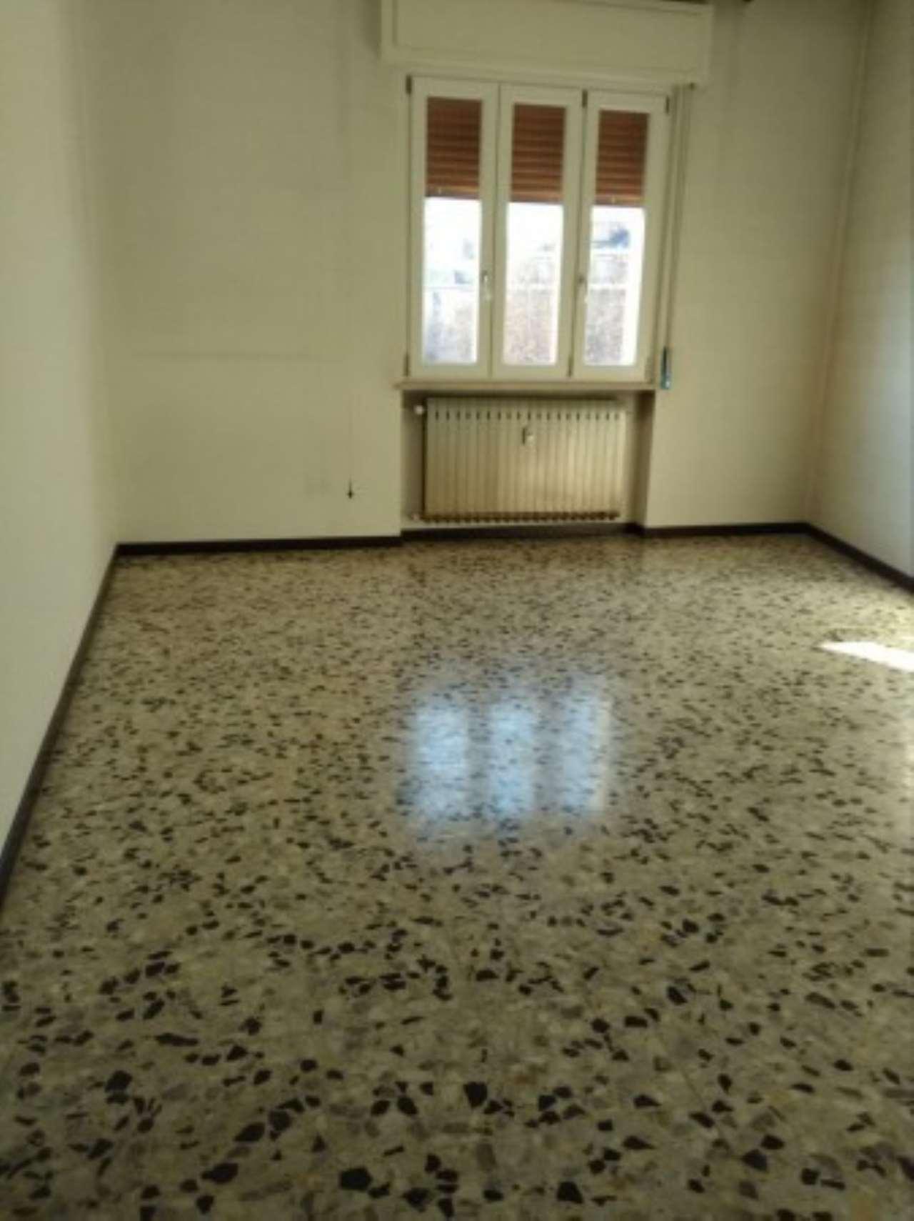 Appartamento in affitto a Novara, 2 locali, prezzo € 350 | Cambio Casa.it