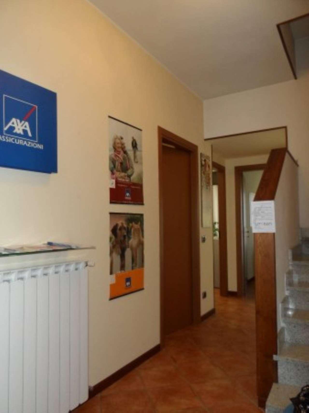 Ufficio / Studio in affitto a Galliate, 3 locali, prezzo € 800 | Cambio Casa.it