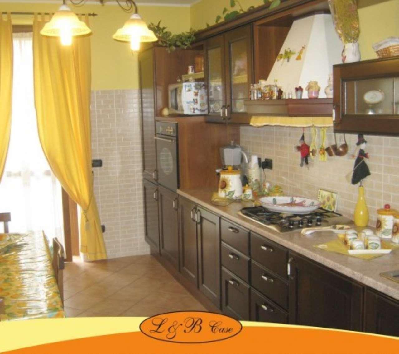Villa in vendita a Biandrate, 4 locali, prezzo € 260.000 | Cambio Casa.it