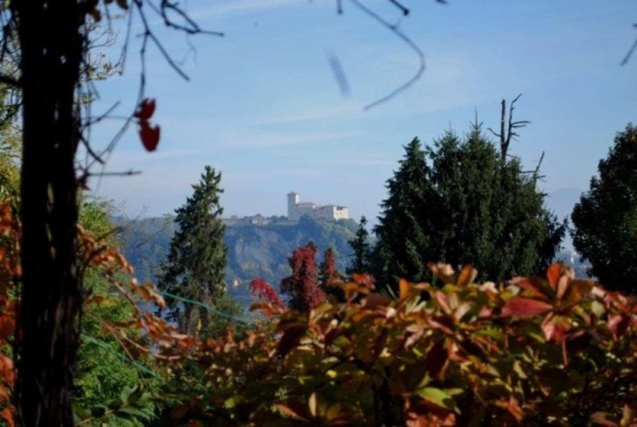 Villa in vendita a Arona, 6 locali, Trattative riservate | Cambio Casa.it