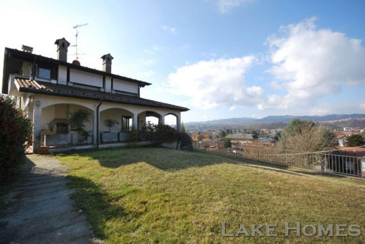 Villa in vendita a Gozzano, 11 locali, prezzo € 800.000 | Cambio Casa.it