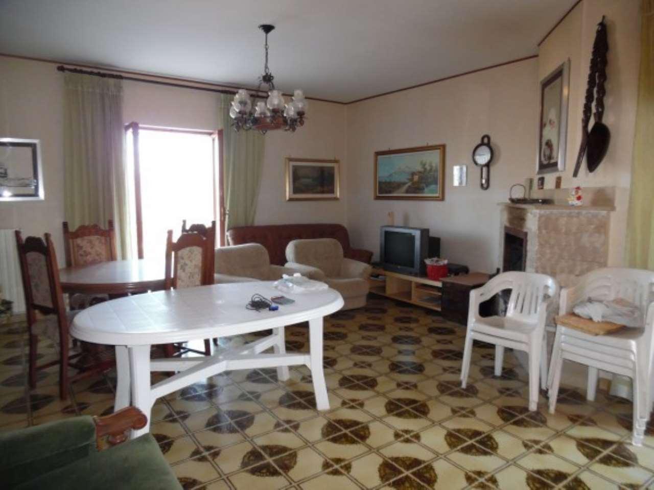Villa in vendita a Torricella in Sabina, 5 locali, prezzo € 220.000   Cambio Casa.it