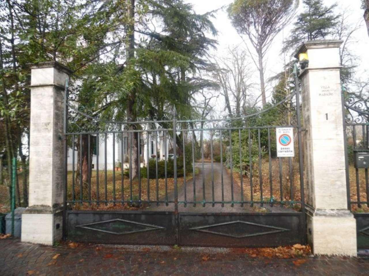 Villa in vendita a Rieti, 6 locali, prezzo € 320.000 | Cambio Casa.it