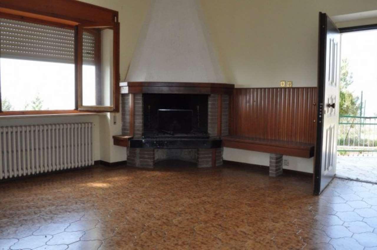 Appartamento in affitto a Poggio Bustone, 4 locali, prezzo € 400 | Cambio Casa.it
