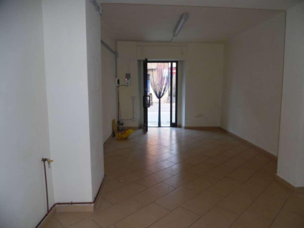 Negozio / Locale in affitto a Rieti, 2 locali, prezzo € 500 | Cambio Casa.it
