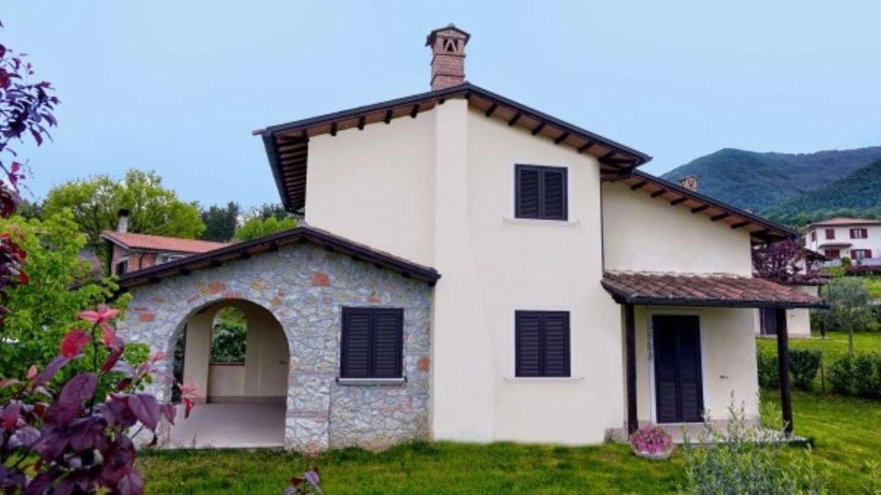 Villa in vendita a Greccio, 6 locali, prezzo € 210.000 | Cambio Casa.it