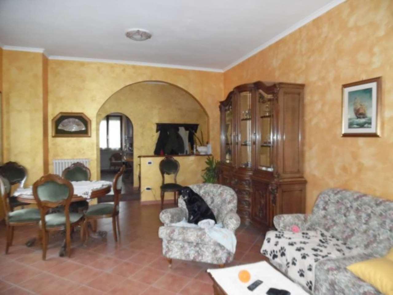 Villa in vendita a Rieti, 4 locali, prezzo € 165.000   Cambio Casa.it