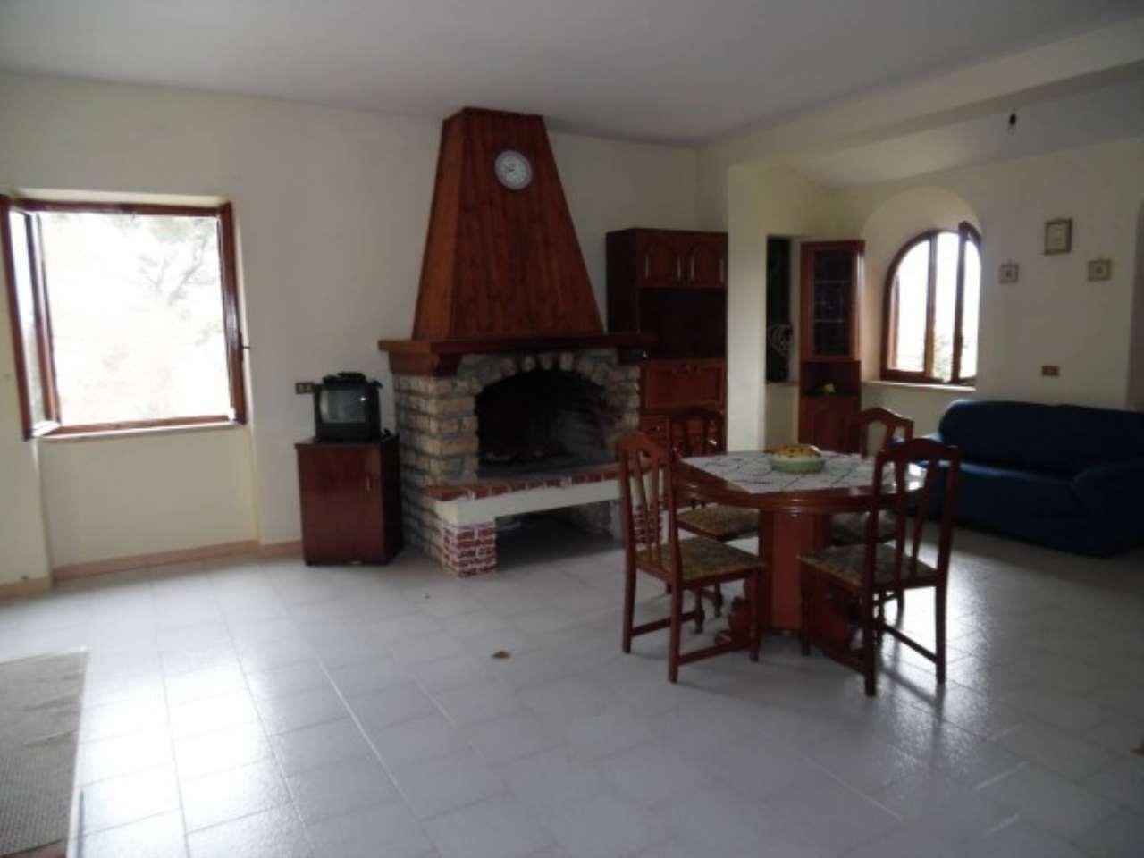Rustico / Casale in vendita a Contigliano, 5 locali, prezzo € 170.000 | Cambio Casa.it