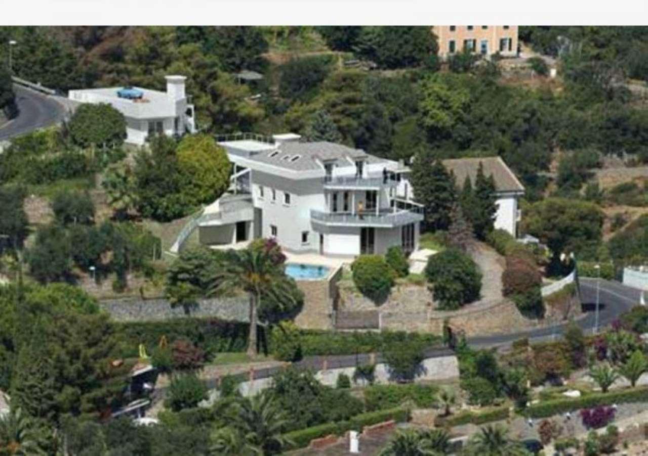 Soluzione Indipendente in vendita a Alassio, 5 locali, Trattative riservate | Cambio Casa.it